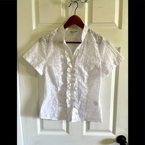 3/$30 Denver Hayes sheer white short sleeve blouse